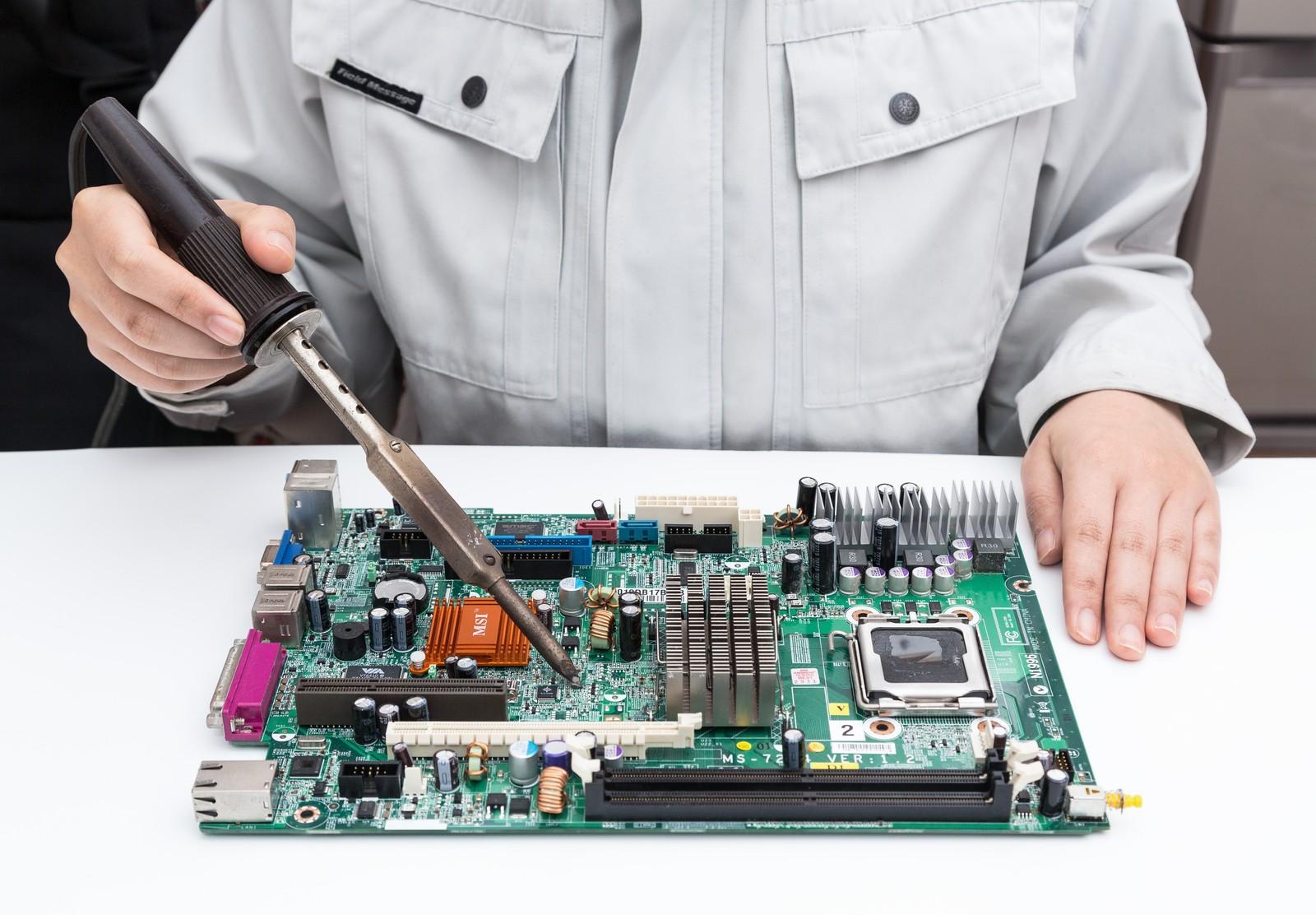 PCはメーカー修理よりも安く!パソコン修理業者ランキング