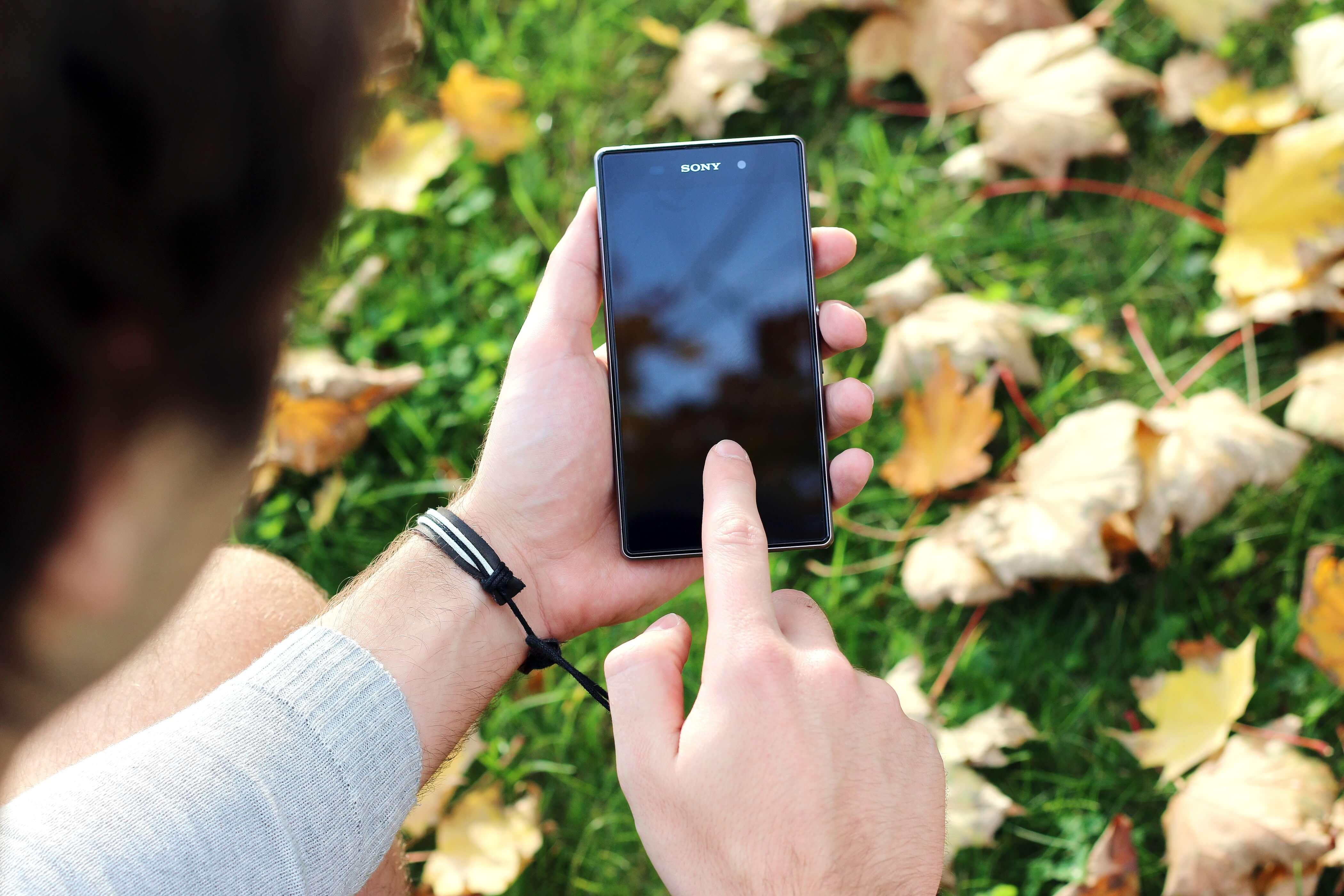 Androidスマホが起動しない!立ち上がらないとデータはどうなる?