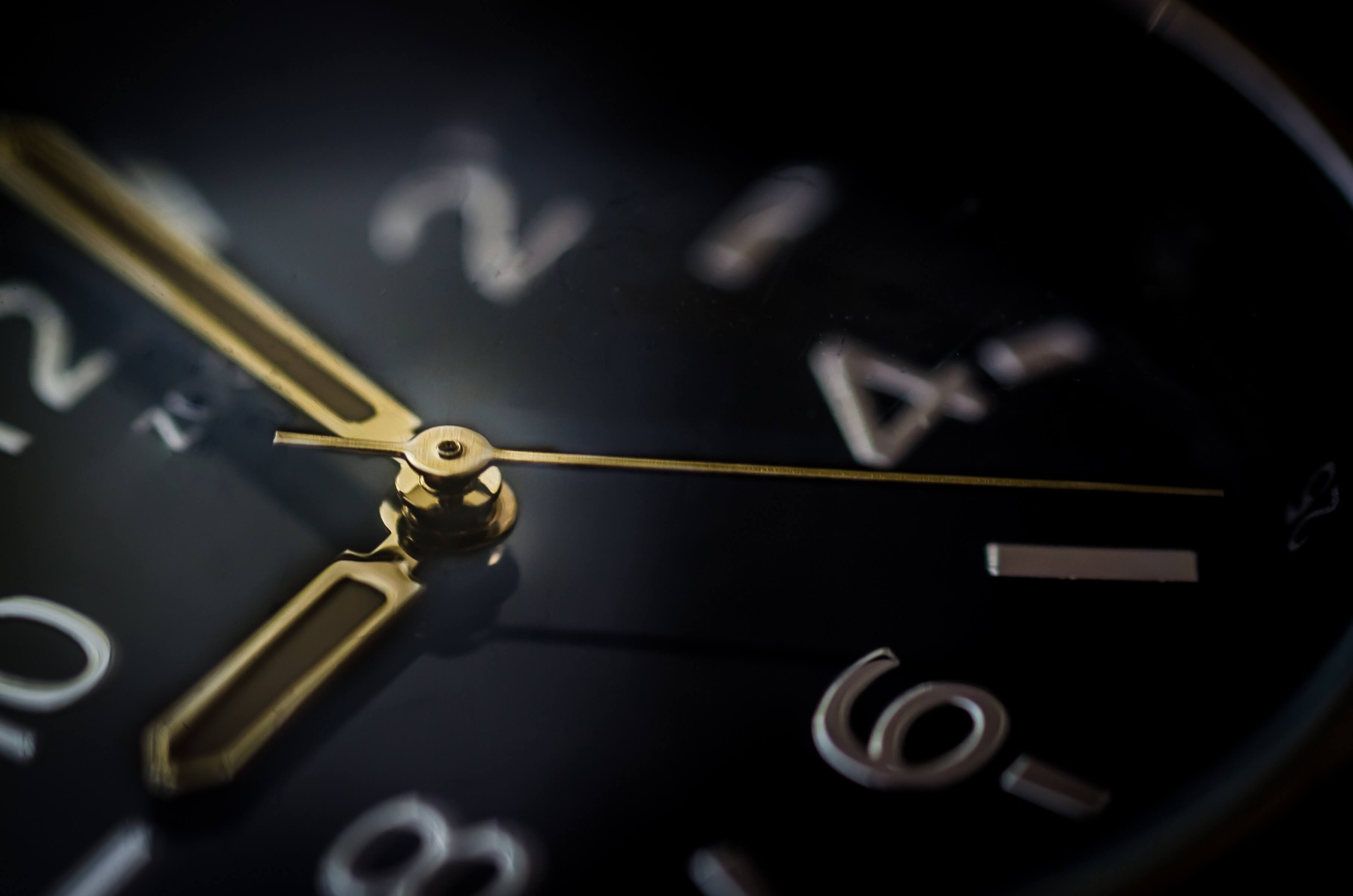 clock-hours-minutes-9352